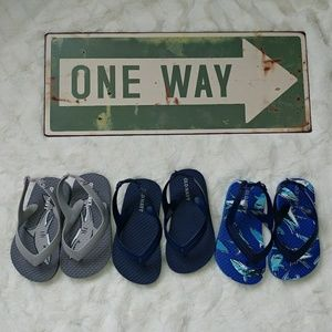 Old Navy boys flip flops